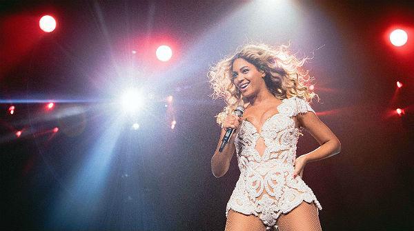 30 segundos del videoclip de la canción Yonce, de Beyoncé, incluido en el álbum que lleva el nombre de la artista, Beyoncé.