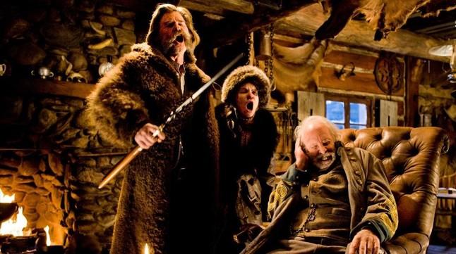 Kurt Russell,Jennifer Jason Leigh y Bruce Dern, en unaescena de lapelícula 'Los odiosos ocho', de Quentin Tarantino.