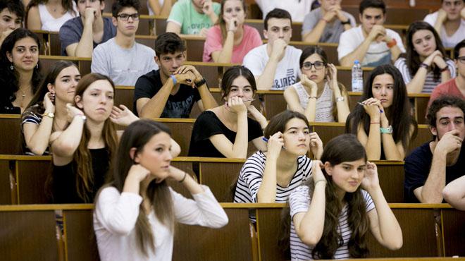Estudiantes y profesores consideran accesibles las preguntas de las dos primeras pruebas de la selectividad.