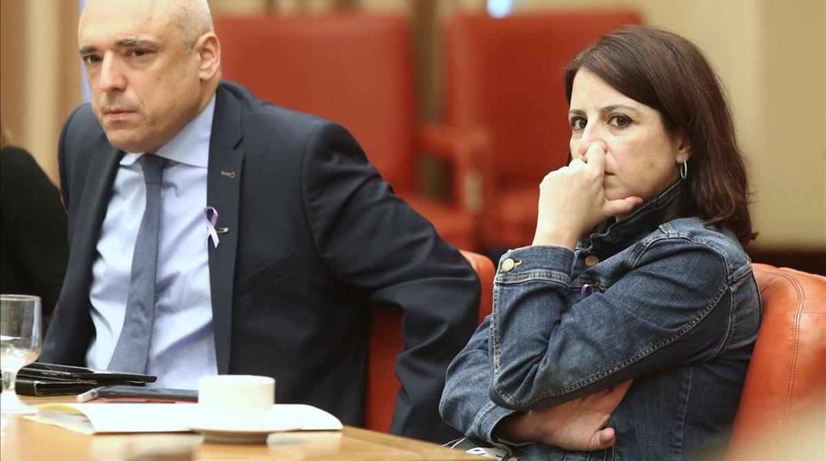 El PSOE i ERC estudien portar la negociació a Barcelona