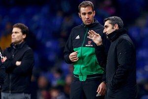 Valverde y Rubi, durante el partido.