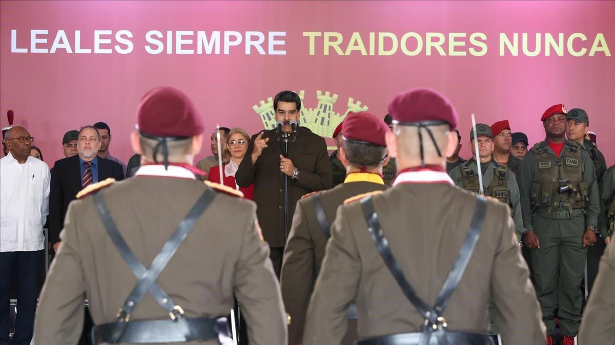 El presidente de Venezuela, Nicolás Maduro, en una ceremonia este domingo con la Guardia Nacional venezolana.