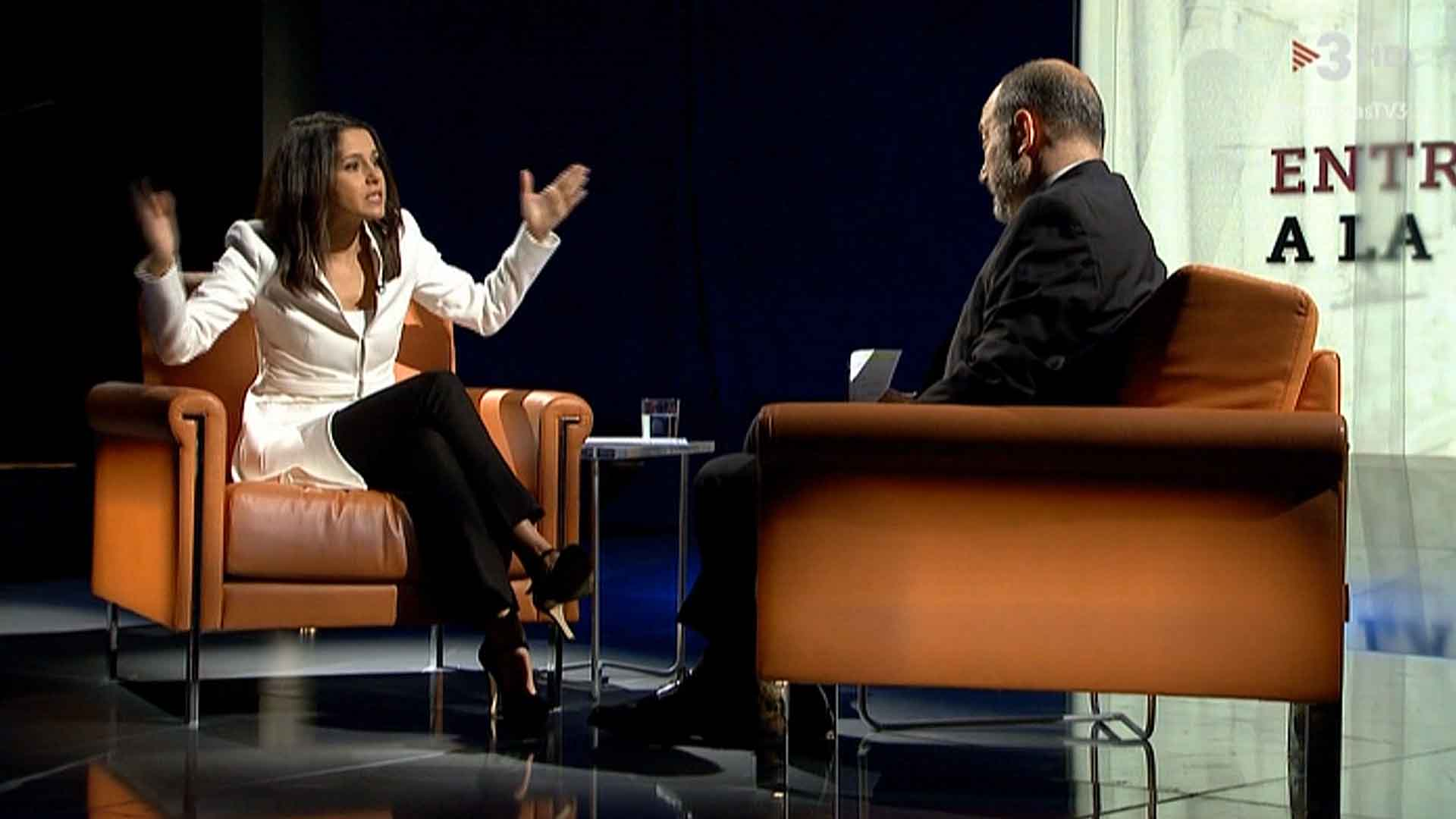 Vicent Sanchis con Inés Arrimadas (TV-3).