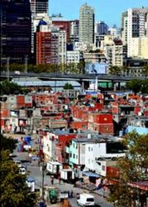 Vista de Villa 31 Chabolas en el centro de Buenos Aires.