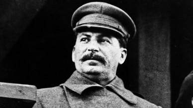 Jugant a la plaça Roja per entretenir Stalin