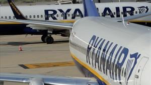 Els treballadors de Ryanair mantenen la vaga després d'una reunió amb la companyia
