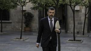 Santi Vila compareix davant el comitè d'ètica del PDECat que presideix Xavier Trias