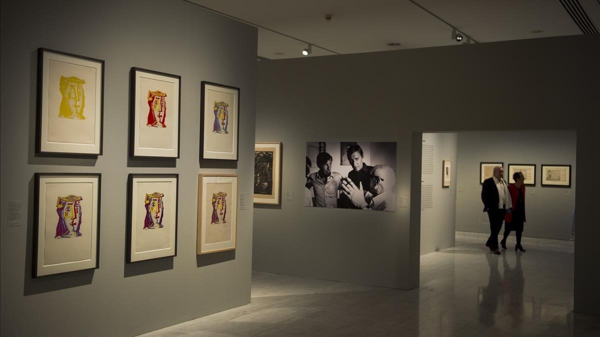 Pared con grabados de Picasso, en la exposición El taller compartido: Picasso, Fín, Vilató, Xavier.