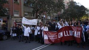 Els metges de Catalunya segueixen en vaga | Directe