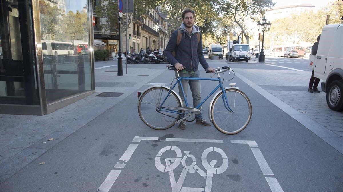 El Secretario del Bicicleta Club Catalunya,Adria Arenas.
