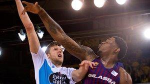 Un Séraphin celestial posa fora de perill el lideratge del Barça davant de l'Obradoiro