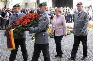 Angela Merkel, en el homenaje a los héroes de la 'Operación Walkiria'.