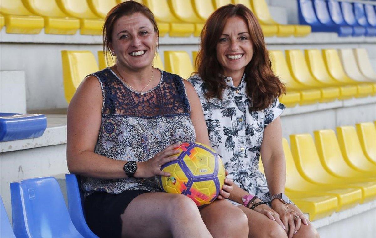 """Alicia Requena y María López: """"Lo que sienten nuestras hijas por el fútbol es pasión"""""""