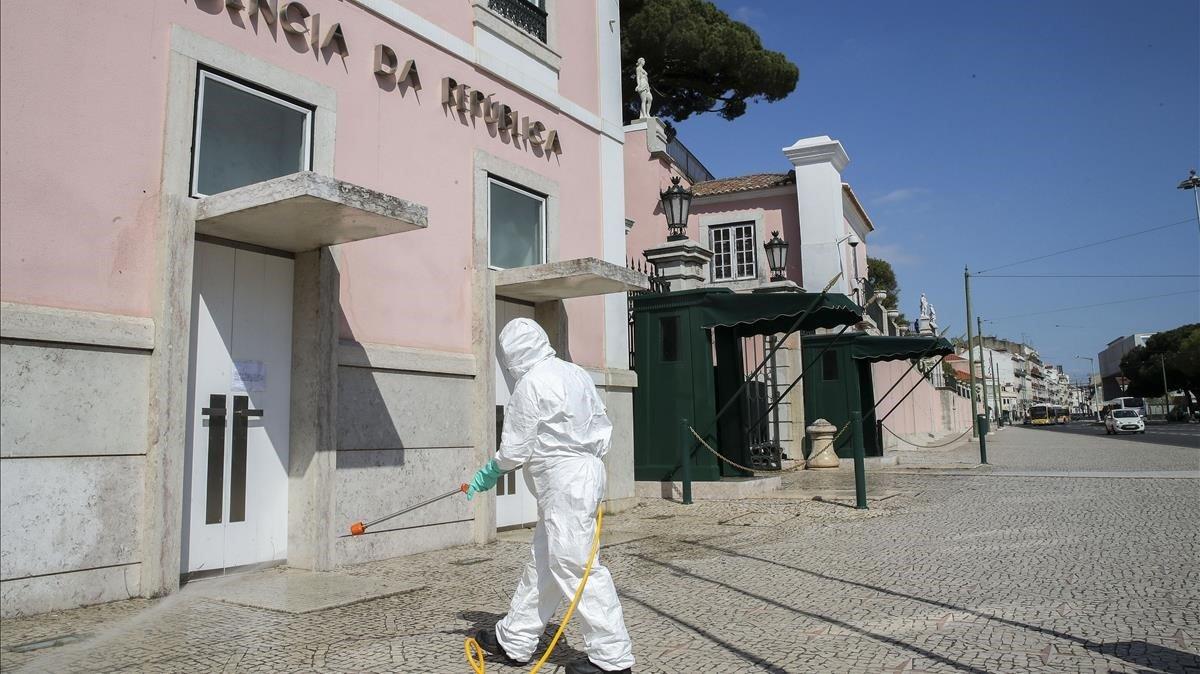 Portugal regularitza tots els immigrants sense permís de residència per protegir-los davant el coronavirus