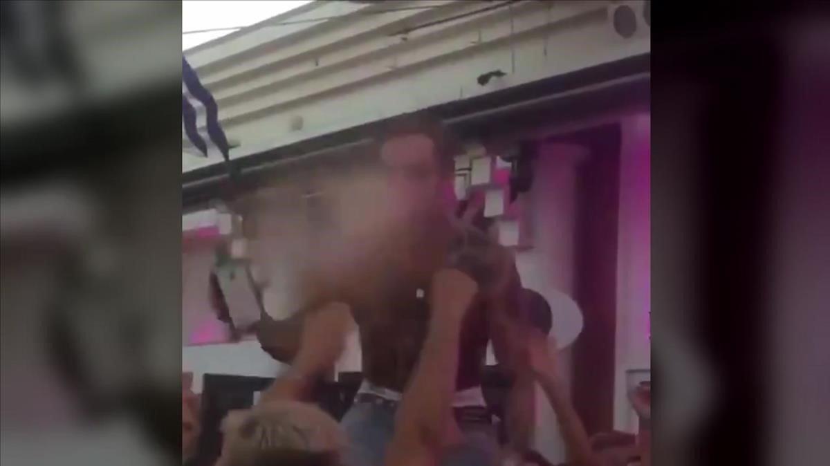 Indignació per un concert sense mascaretes i en què es va escopir alcohol sobre el públic a Torremolinos