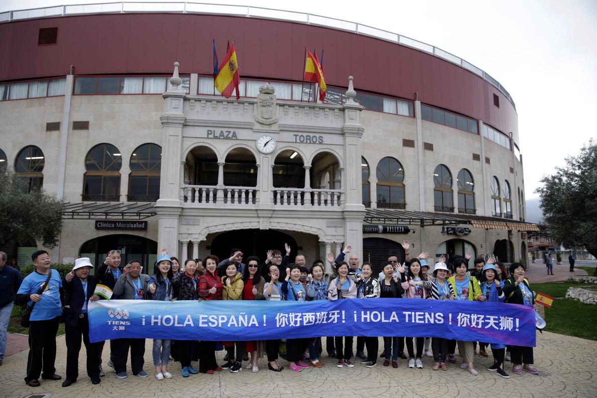 Los 2.500 chinos de vacaciones gratis llegan el domingo a Barcelona cfee45eb0bb