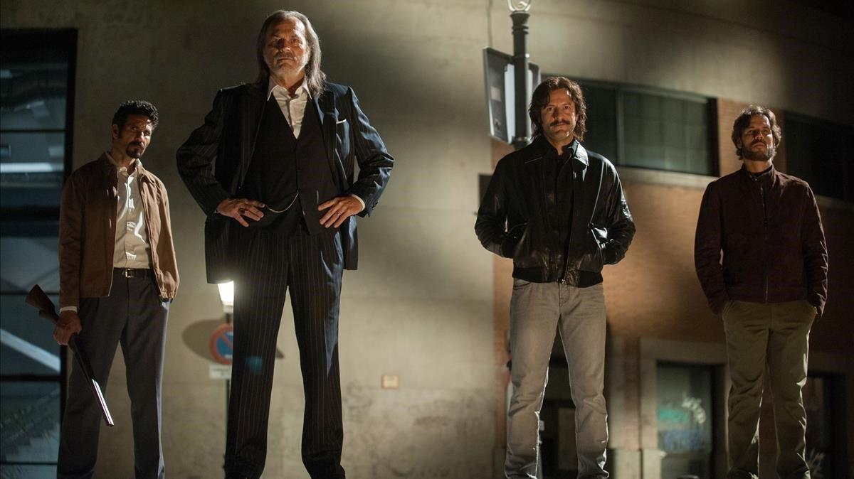 Resultado de imagen de Gigantes de Enrique Urbizu y Jorge Dorado. Serie de televisión; primera temporada