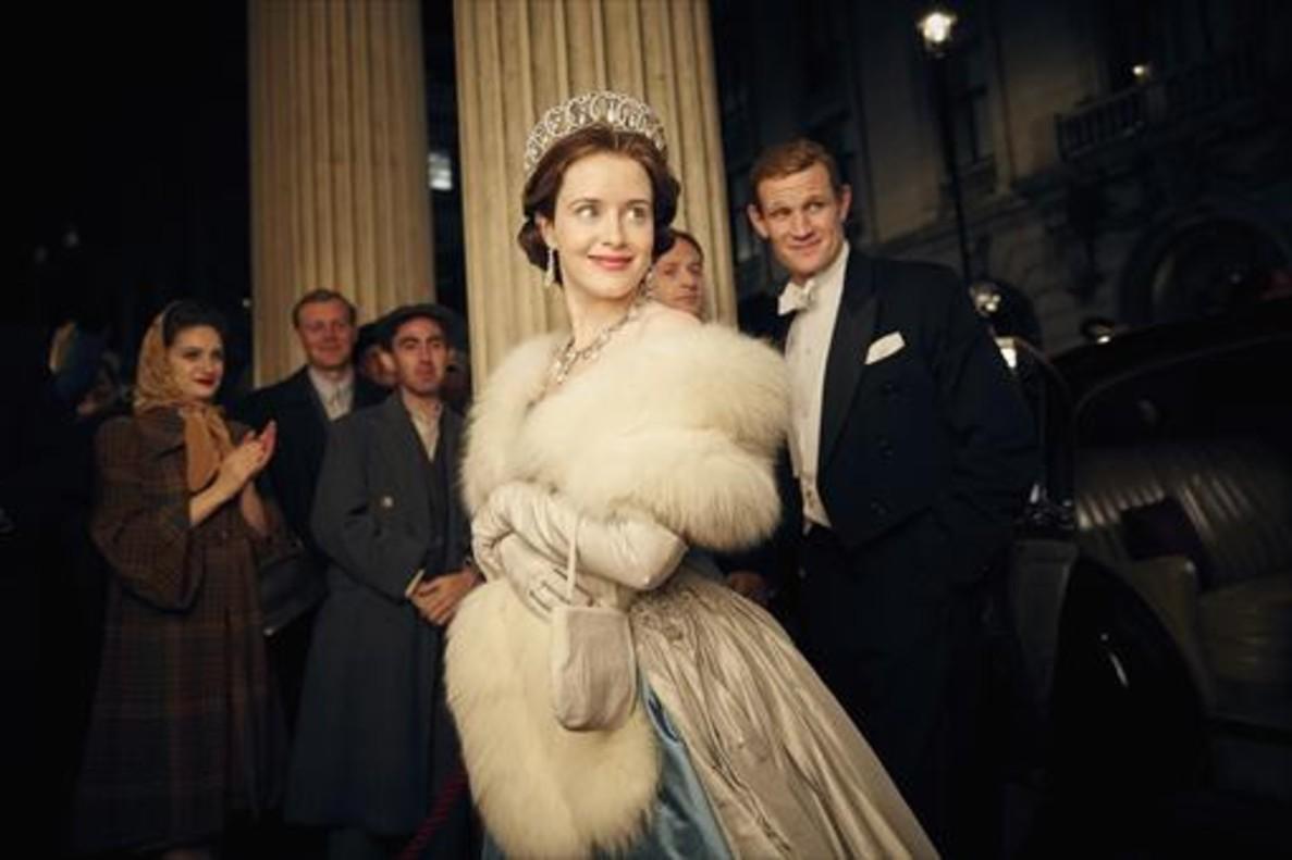 La actriz Claire Foy es Isabel II, en 'The Crown'.