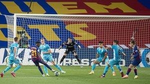 Ansu Fati marca el 1-0 del Barça al Leganés desde fuera del área.