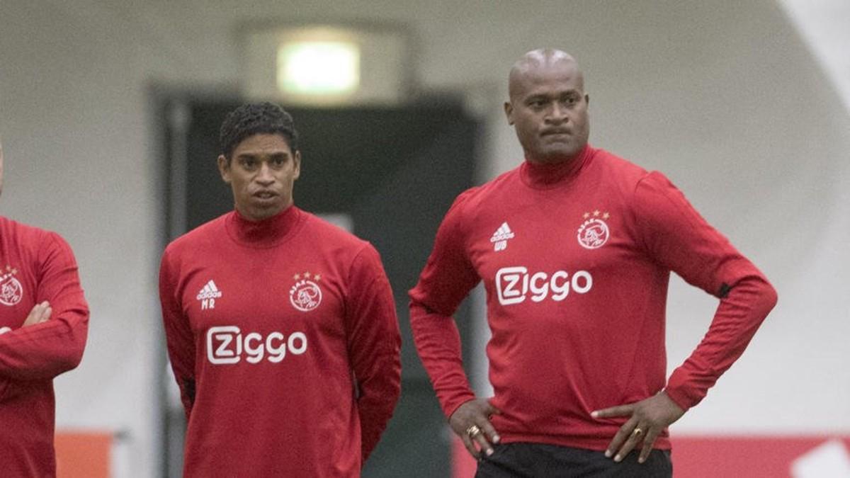 Reiziger y Bogarde, en la fotografía distribuida por el Ajax.