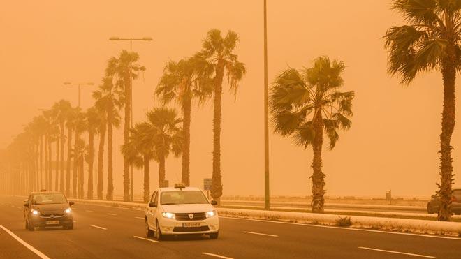 La calima se adueña de Canarias.
