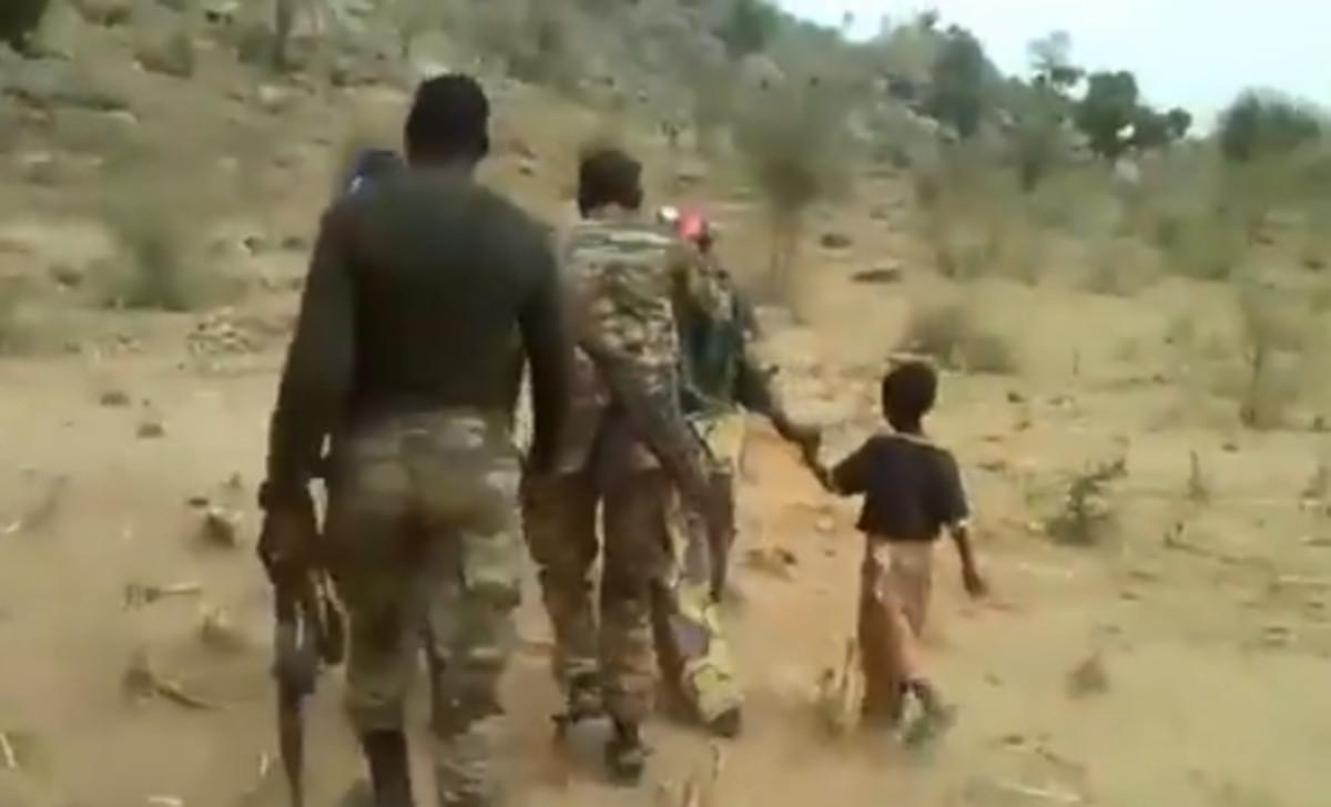 Captura del vídeo de la ejecución en Camerún que circula por internet
