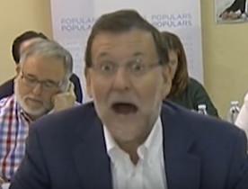 Captura de pantalla de Youtube de la cara de Mariano Rajoy cuando un militante del PP le confundió con el presidente de la República.