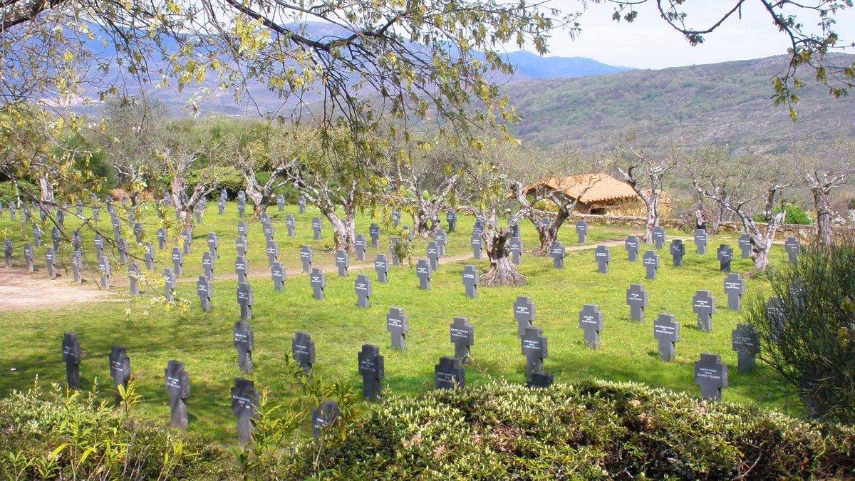 El cementerio militar alemán de Caucos de Yuste.
