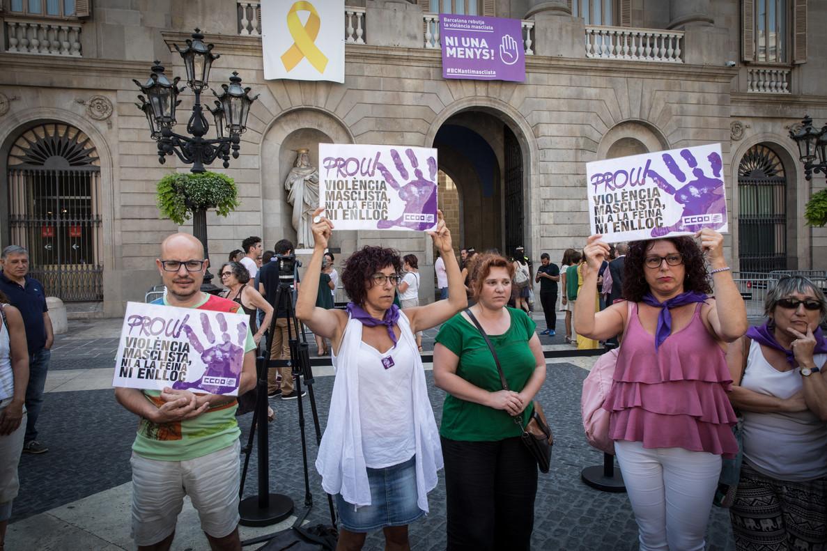 Concentración en Barcelona tras un crimen machista.