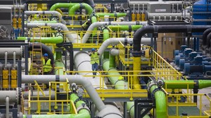 Instalaciones interiores de la planta desalinizadora del Llobregat, en El Prat.