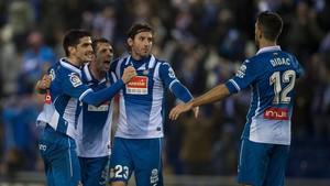 El Espanyol intentará repetir el éxito de la Copa, ahora en Liga ante el Sevilla.