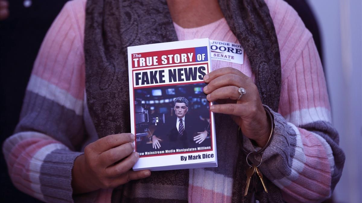 Bruselas prepara un plan para combatir las noticias falsas