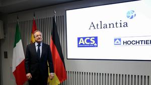 El presidente de ACS, Florentino Pérez, en la rueda de prensa con Atlantia y Hochtief donde se presentaron los detalles de la OPA sobre Abertis.