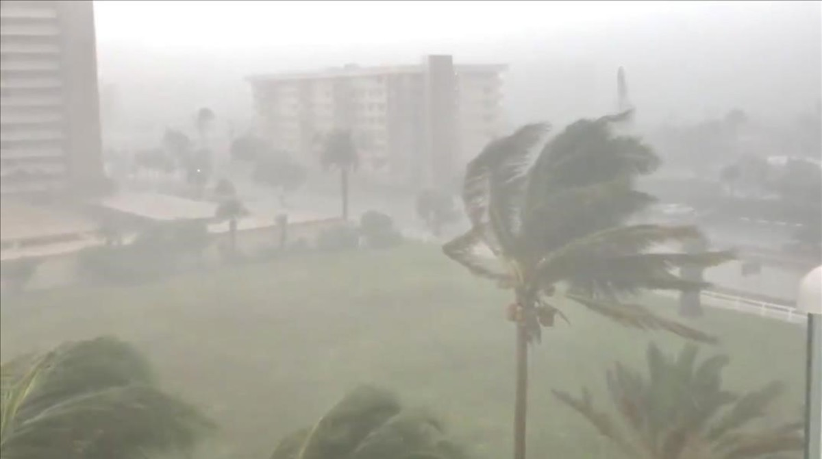 La tormenta Gordon se acerca a las costas de Florida y se convierte en un huracán.