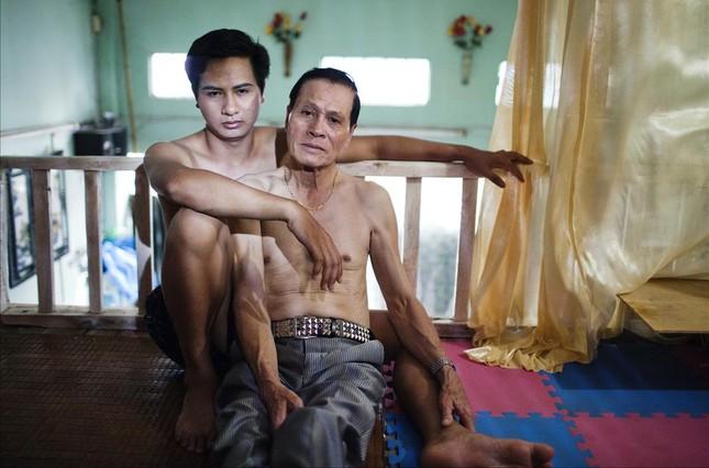 Imagen de la exposición The Pink Choice, sobre parejas homosexuales en Vietnam, en The Folio Club