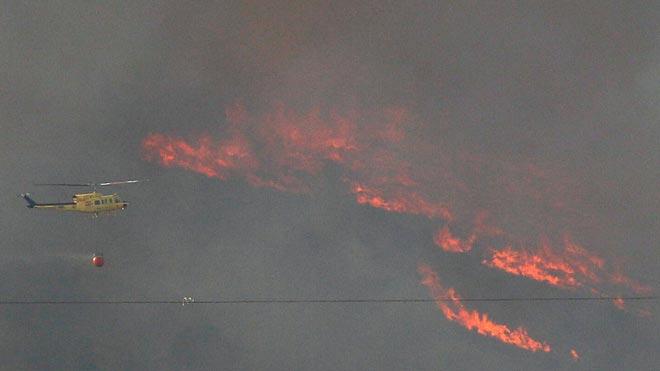 El incendio forestal de Beneixama (Alicante) arrasa 830 hectáreas.