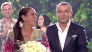 Isabel Pantoja con Jorge Javier Vázquez en el plató de 'Supervivientes 2019'