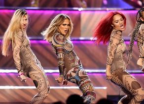 Jennifer Lopez, durante su actuación en la gala de los American Music Awards.