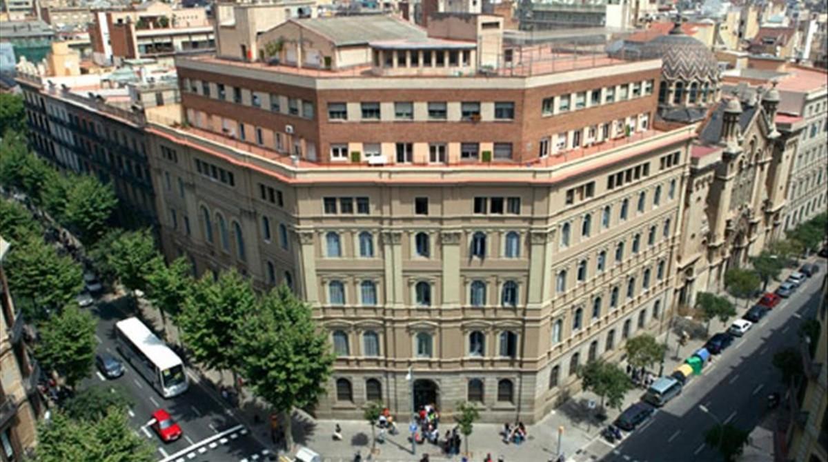 Edificio de los jesuitas en la calle de Casp de Barcelona, donde estaba el colegio Kostkaen los años 70, antes de ser trasladado a Gràcia.