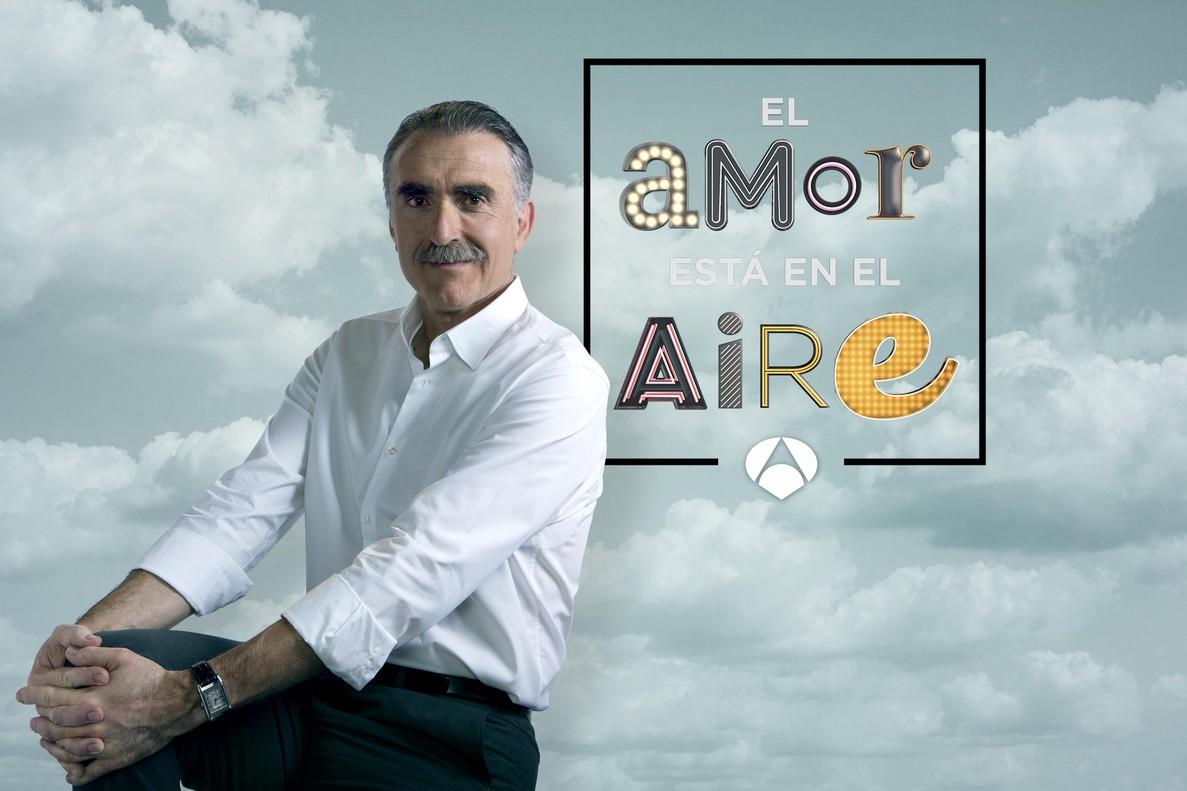 Juan y Medio, presentador del programa 'El amor está en el aire', de Antena 3.