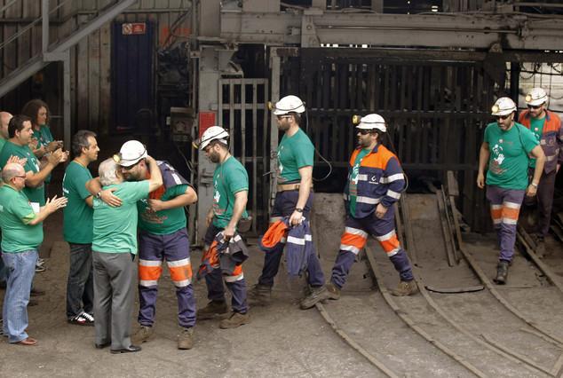 Mineros del pozo San Nicolás, en la localidad asturiana de Mieres.
