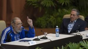 Cuba manté al capdavant del partit únic la vella guàrdia comunista