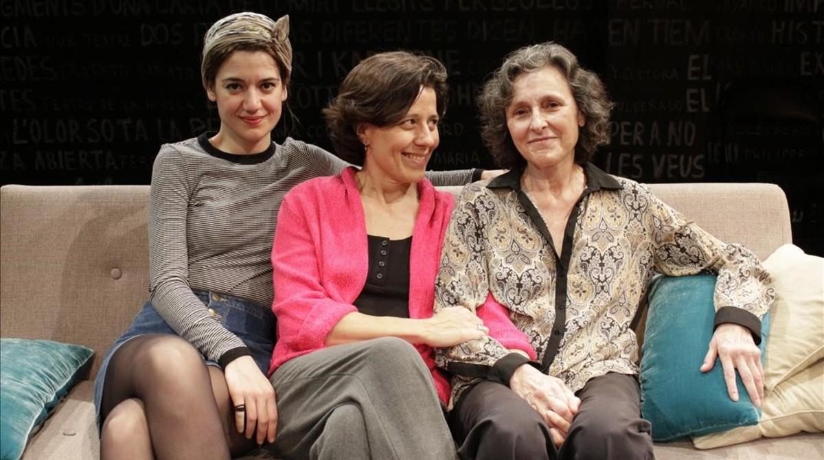 Llengua materna Mameloschn, deSasha Mariana Salzman, conMarta Angelat, Míriam Iscla y Alba Pujol.