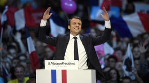 Macron gesticula durante su discurso en el mitin de Bercy, en París, el 17 de abril.