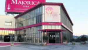 Majorica, una icona del teixit industrial de Mallorca, es posa a la venda