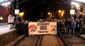 Manifestación en Montcada i Reixac, el pasado febrero, para reclamar el soterramiento de la vía del tren.