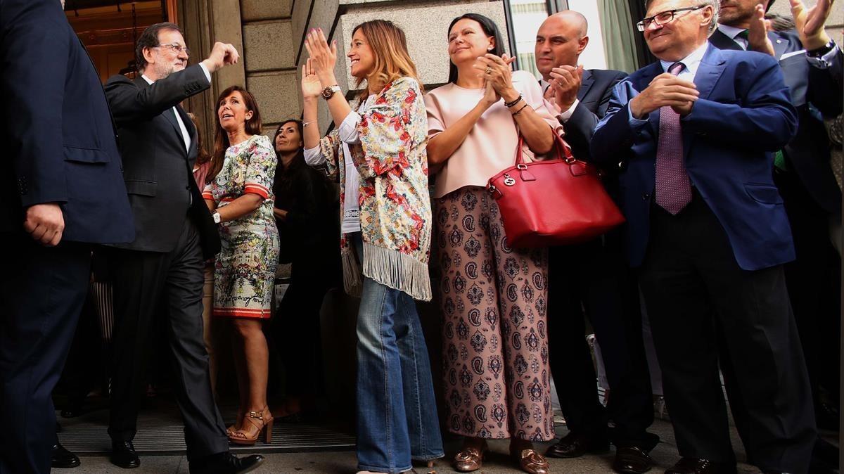 Mariano Rajoy, a su salida del Congreso de los Diputados.