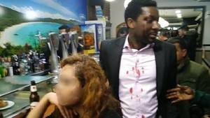 """""""El puc matar i no passaria res, soc blanca"""": així va ser l'agressió racista a l'actor negre Marius Makon"""