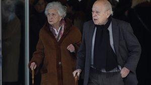 Marta Ferrusola y Jordi Pujol el pasado 12 de febrero, en el funeral de Diana Garrigosa, la esposa de Pasqual Maragall, en el tanatori de Sant Gervasi de Barcelona.