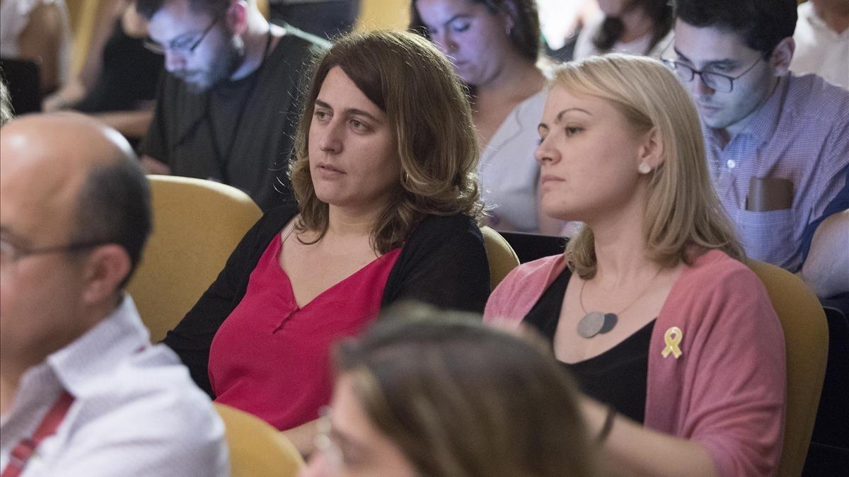 La coordinadora del PDECat,Marta Pascal, y la portavoz del partido,Maria Senserrich